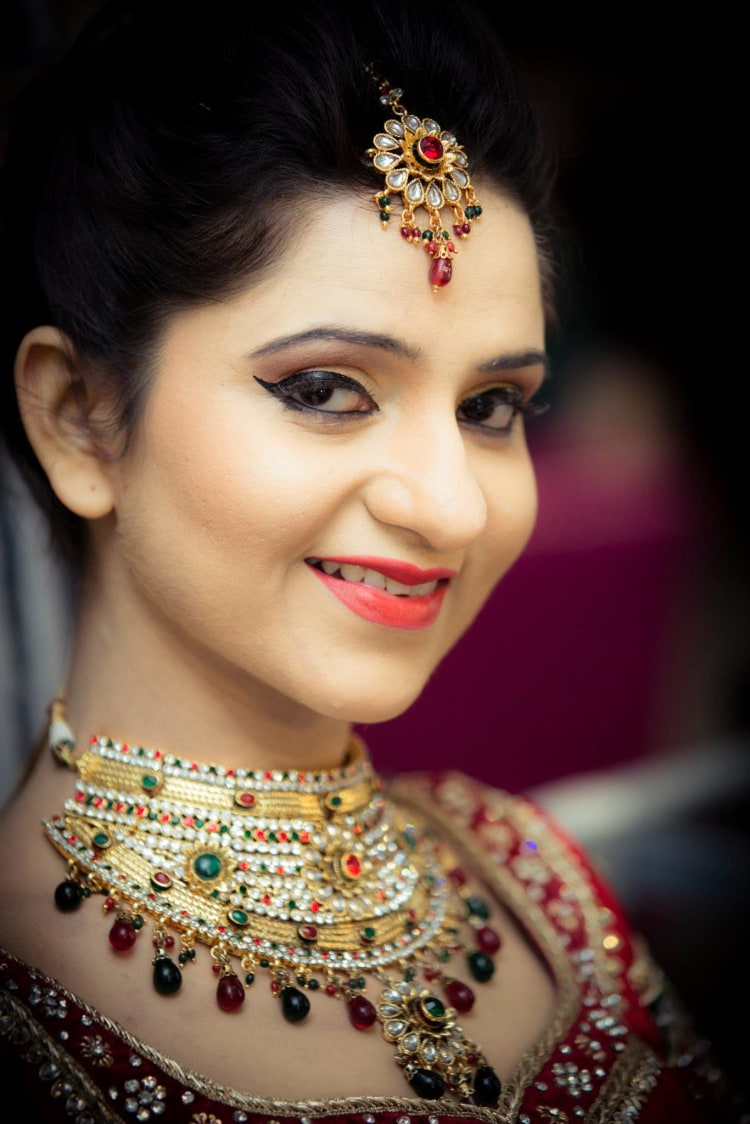 Bride Wearing Trendy Accessories by Bosco Naveen Bridal-makeup Bridal-jewellery-and-accessories | Weddings Photos & Ideas