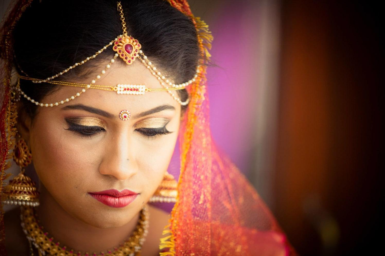 Bride Wearing Glittering Golden Makeup by Bosco Naveen Bridal-makeup   Weddings Photos & Ideas