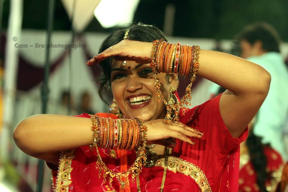 Fun bride pose by Cam - Era Photography Wedding-photography | Weddings Photos & Ideas