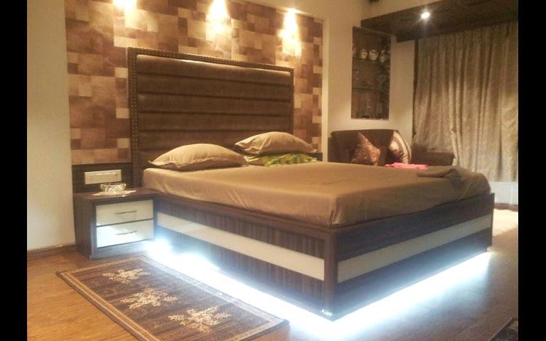 A regal bedroom! by Artistic design group Bedroom | Interior Design Photos & Ideas