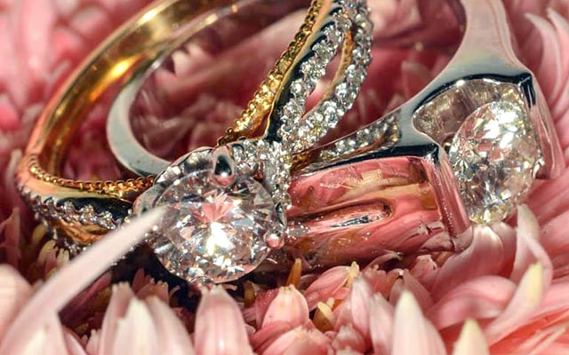 Irresistable Diamond Studded Rings by Ankit Poddar Wedding-photography | Weddings Photos & Ideas