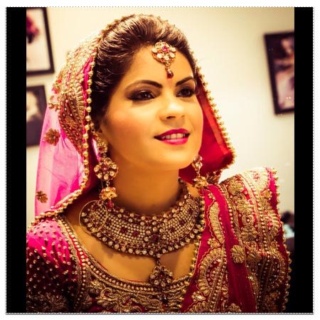 Bride Wearing Beautiful Gold And Jewelry by Neha Arora Wedding-photography Bridal-jewellery-and-accessories | Weddings Photos & Ideas