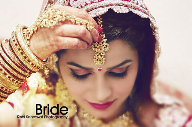Bride Getting Ready For Her D-Day! by Rishi Sehrawat Wedding-photography Bridal-jewellery-and-accessories | Weddings Photos & Ideas