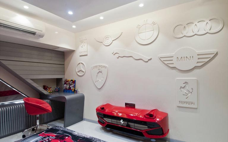 Car-themed kids study table decor by ARCHITECT KAUSHAL CHOUHAN Bedroom | Interior Design Photos & Ideas