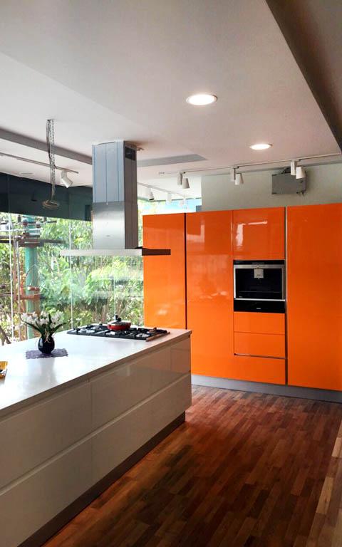 Modern open island modular kitchen by ANTARANGNI INTERIOR P LTD Modular-kitchen | Interior Design Photos & Ideas