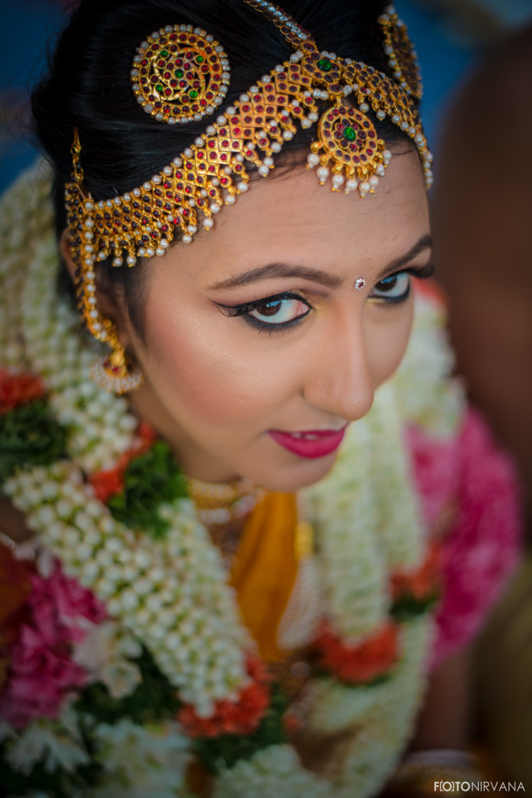 Gold And Gemstone Matha Patti by FOTONIRVANA Wedding-photography Bridal-jewellery-and-accessories | Weddings Photos & Ideas