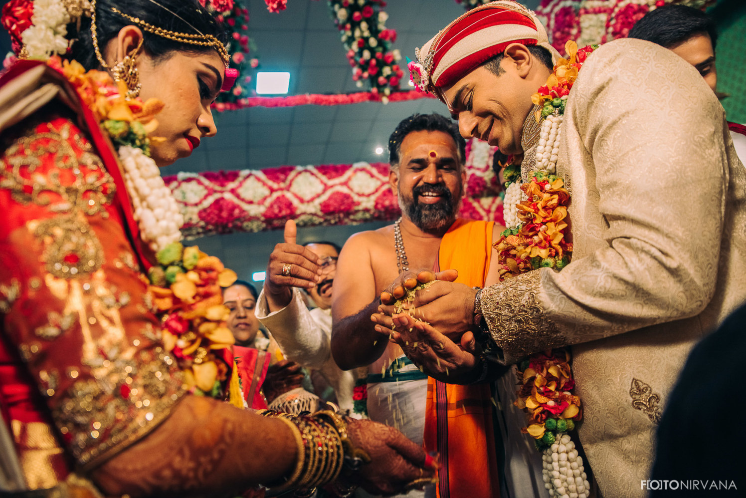 Rituals On Wedding Day! by FOTONIRVANA Wedding-photography | Weddings Photos & Ideas