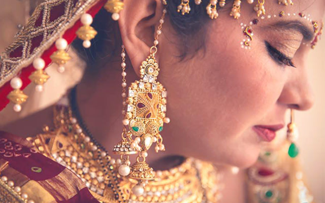 Bridal jewelry by Two Cups Coffee and A Camera Wedding-photography | Weddings Photos & Ideas