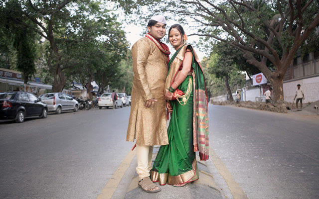 Flaunting love relation by Tejas Nayak Wedding-photography | Weddings Photos & Ideas