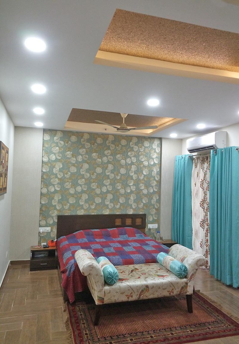 Master Bedroom with Patterned Wall and Queen Size bed by Ar. Barkha Jain Bedroom Modern | Interior Design Photos & Ideas