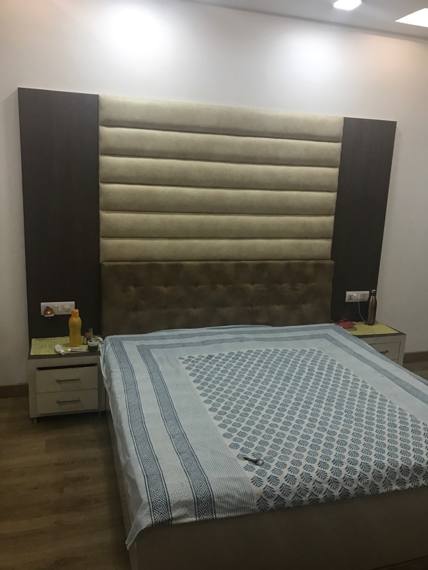 Basic Bedroom with Queen Size Bed and Wood Flooring by Ar. Barkha Jain Bedroom Minimalistic | Interior Design Photos & Ideas
