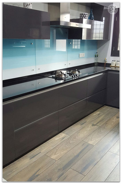 Modular kitchen by Amber Spacez Modular-kitchen Modern | Interior Design Photos & Ideas
