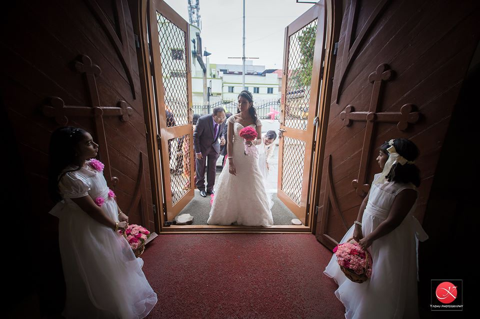 Ravishment at entrance by Yadhu photography Wedding-photography   Weddings Photos & Ideas