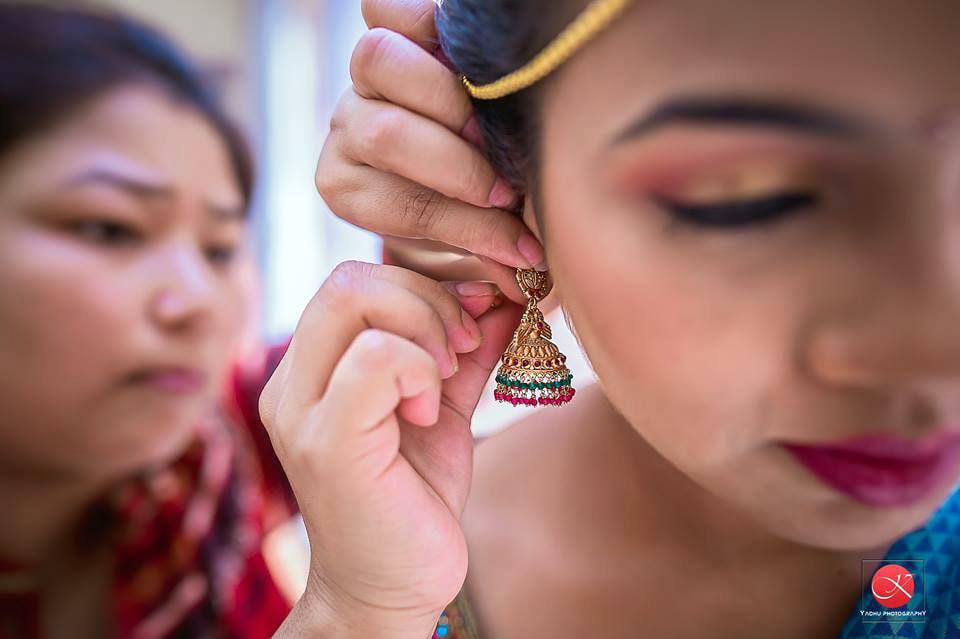 Getting ready! by Yadhu photography Wedding-photography | Weddings Photos & Ideas