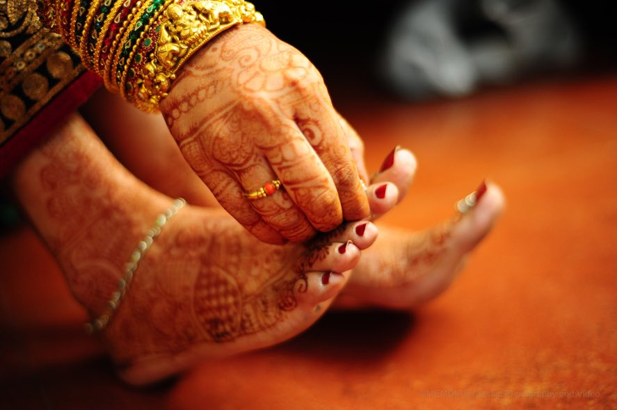 Bridal feet mehendi by Wedding Clickz Wedding-photography | Weddings Photos & Ideas