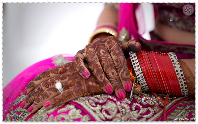 Candid Wedding Moment by Apoorv Maurya Wedding-photography Bridal-jewellery-and-accessories | Weddings Photos & Ideas