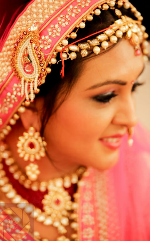 Rajasthani Bride Wearing Kundan Mangtikka by Viral Shah  Bridal-jewellery-and-accessories | Weddings Photos & Ideas