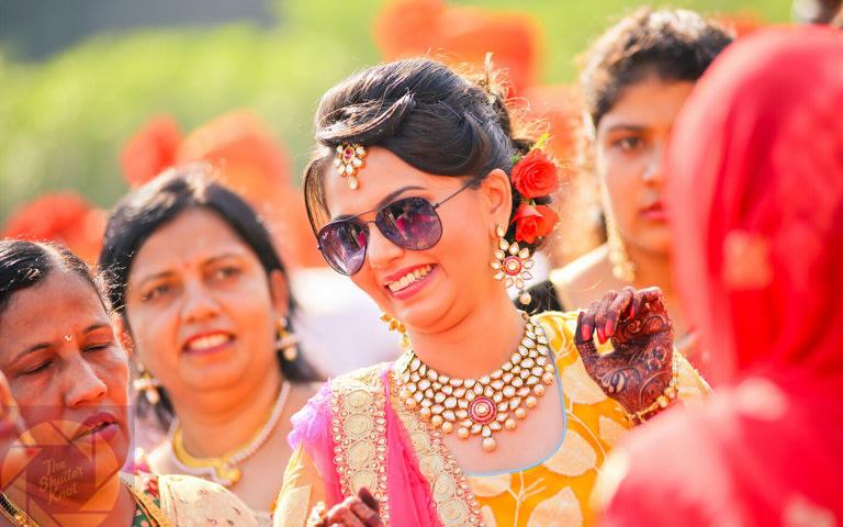 Stunning Bride Wearing Kundan Jewellery by Viral Shah  Bridal-jewellery-and-accessories | Weddings Photos & Ideas
