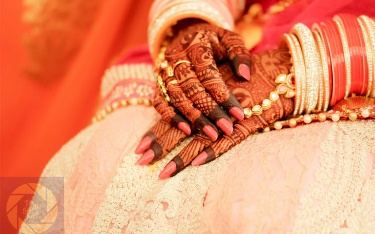 Henna Adorned Hands by Viral Shah  Wedding-photography Bridal-jewellery-and-accessories | Weddings Photos & Ideas
