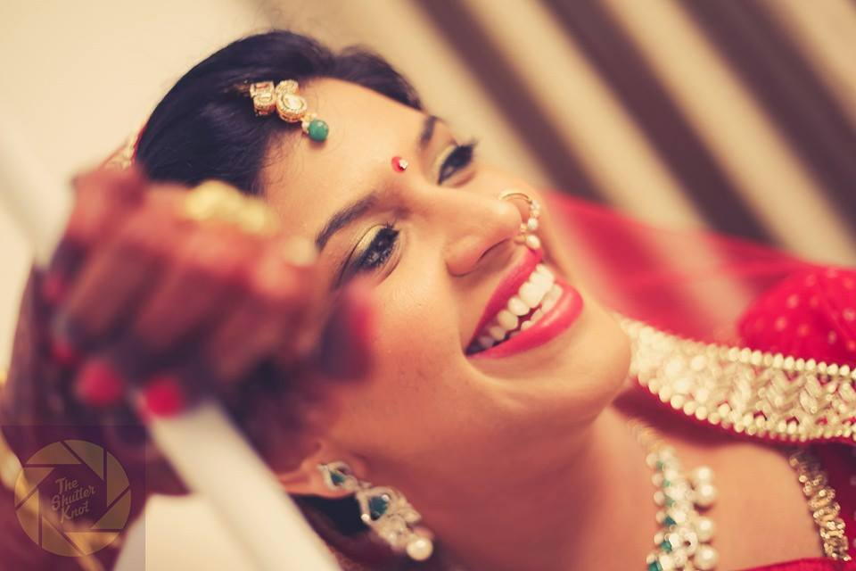 Captivating Bride Wearing Beaded Nath by Viral Shah  Bridal-jewellery-and-accessories | Weddings Photos & Ideas