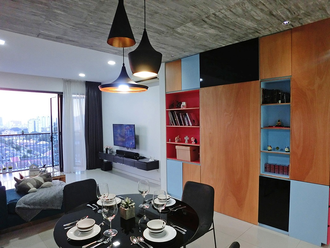 Black  Themed Dining Table And Planetary String light by Yogesh Goel Dining-room Contemporary | Interior Design Photos & Ideas