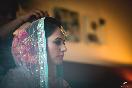 Getting Ready To Bride by Purushottam Deb Wedding-photography Bridal-jewellery-and-accessories | Weddings Photos & Ideas