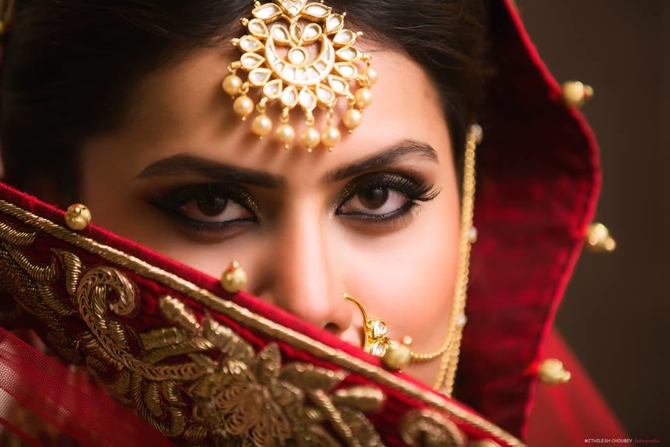 Beautiful maang tikka and beautiful eyes by Mithilesh Choubey fotografia  Wedding-photography | Weddings Photos & Ideas