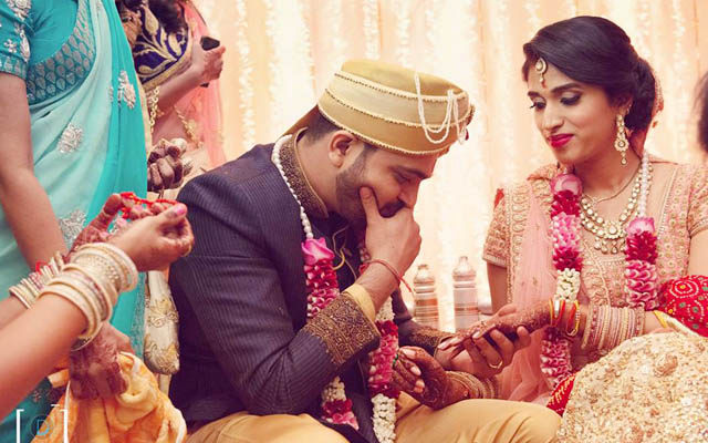 Candid Bride and Groom Click During Their Reception by Dhanika Choksi Wedding-photography   Weddings Photos & Ideas