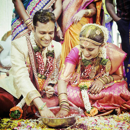 Marathi Bride and Groom Having Fun During Rituals by Dhanika Choksi Wedding-photography | Weddings Photos & Ideas