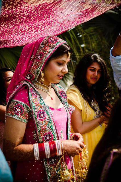 Graceful Entry of the Bride by Sourav Kumar Das Wedding-photography | Weddings Photos & Ideas