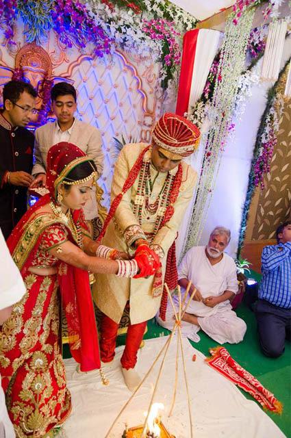 Bride and Groom Performing Special Rituals During Wedding by Sourav Kumar Das Wedding-photography | Weddings Photos & Ideas