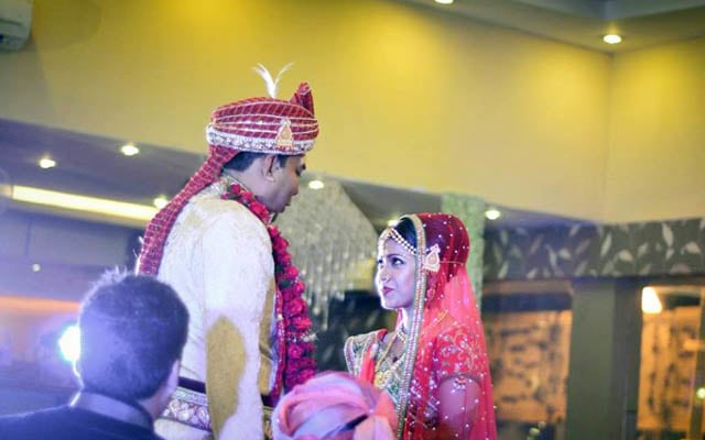 Priceless moment during jaimala by Moments Of Togetherness Wedding-photography | Weddings Photos & Ideas