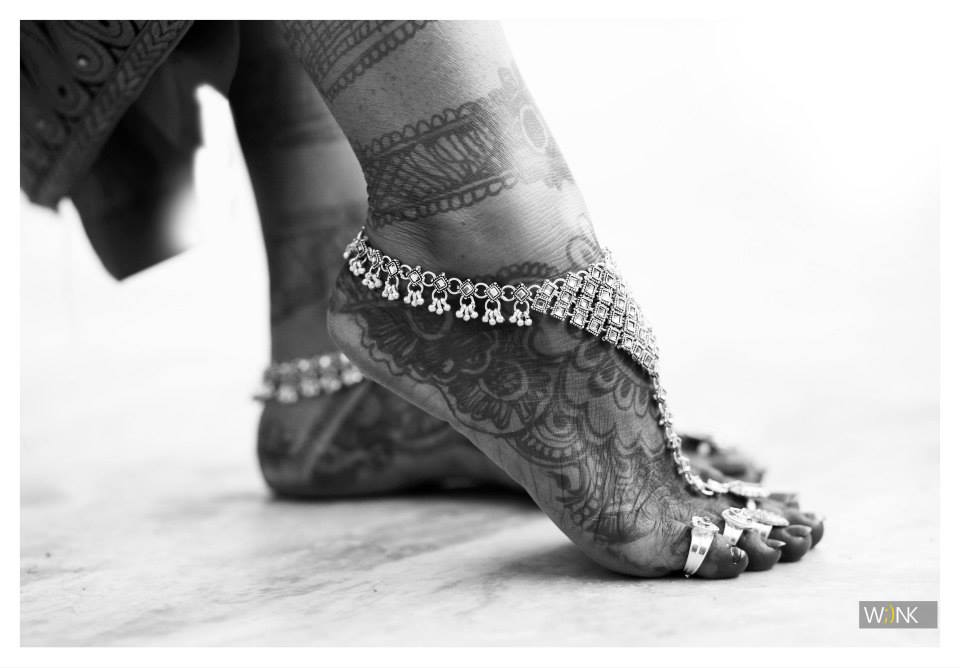 Beautiful feet jewelry shot by Wiink Wedding-photography | Weddings Photos & Ideas