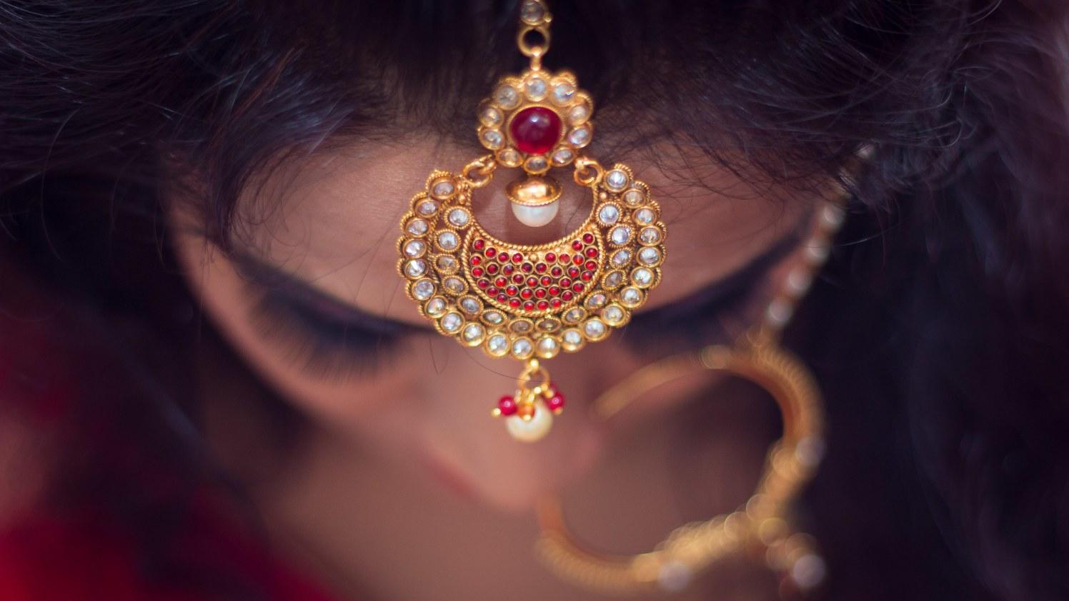 Beautiful bridal mang teeka by Dinesh narra photography Wedding-photography | Weddings Photos & Ideas