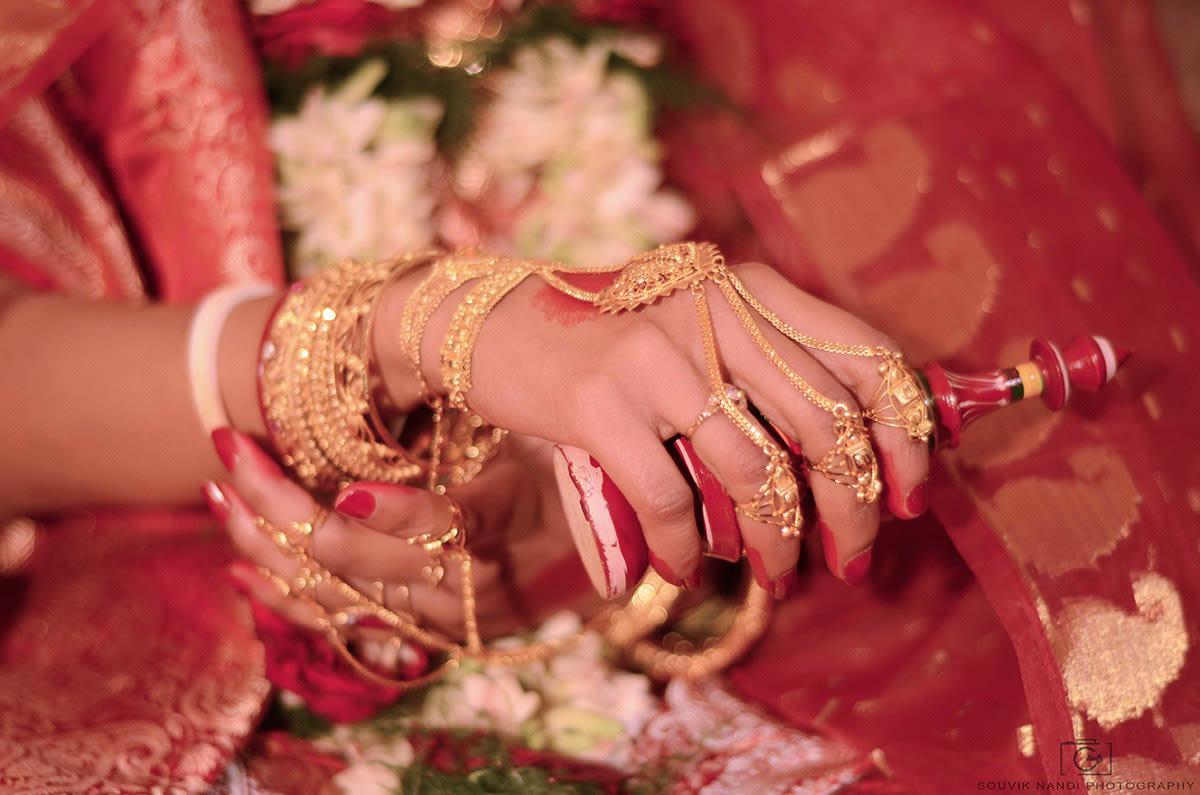 Bengali tints ! by Pixclik Wedding-photography | Weddings Photos & Ideas