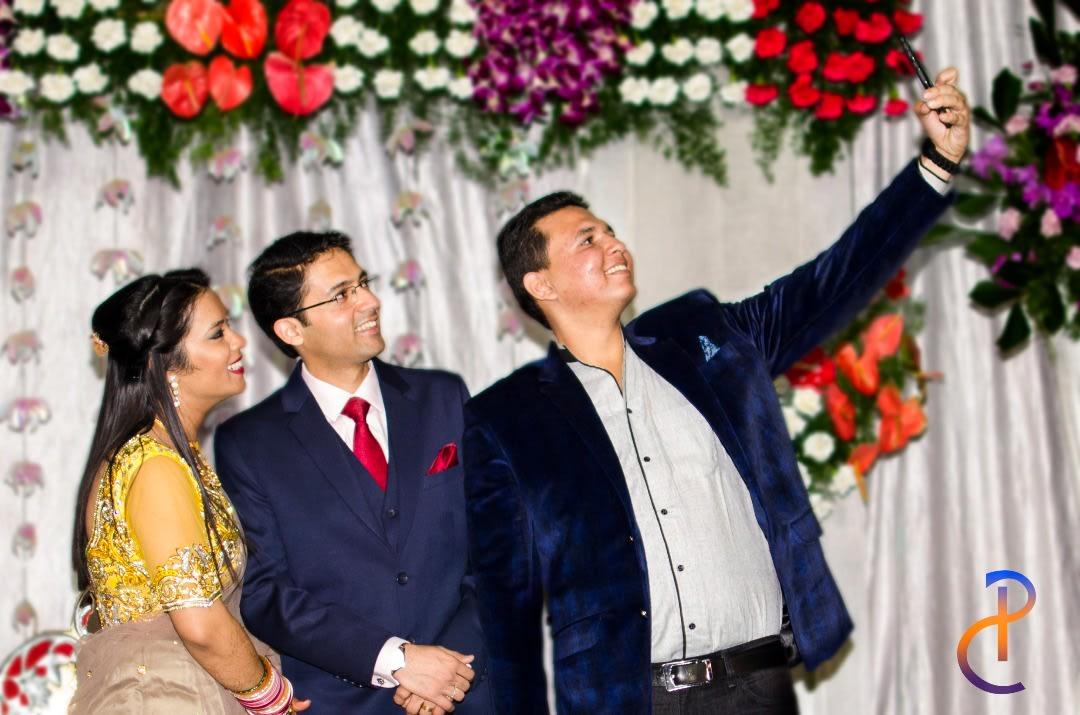Selfie lovers! by Pixclik Wedding-photography | Weddings Photos & Ideas