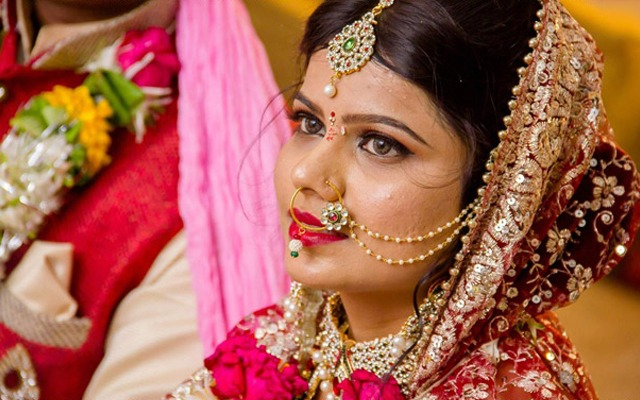 Elegant bride with amazing nath by Krazy Moments Wedding-photography | Weddings Photos & Ideas