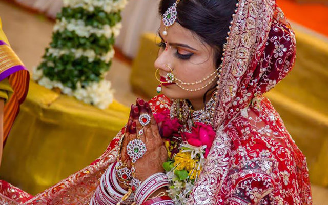 Praying for a prosperous future by Krazy Moments Wedding-photography | Weddings Photos & Ideas