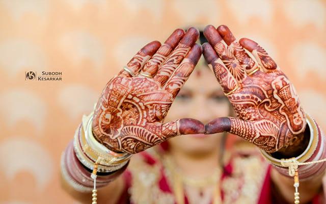 Timeless and stunning henna by Krazy Moments Wedding-photography | Weddings Photos & Ideas