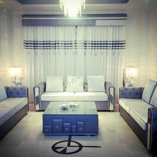 Vintage White Themed living Room With Leather finish Sofas by Shrey Living-room Vintage   Interior Design Photos & Ideas