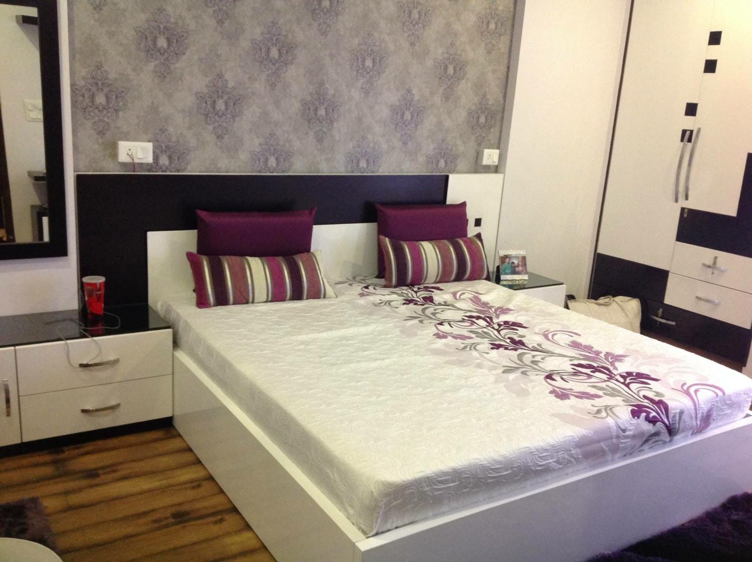 Modern master bedroom decor by Rare Interiors and Furnitures Bedroom Modern | Interior Design Photos & Ideas