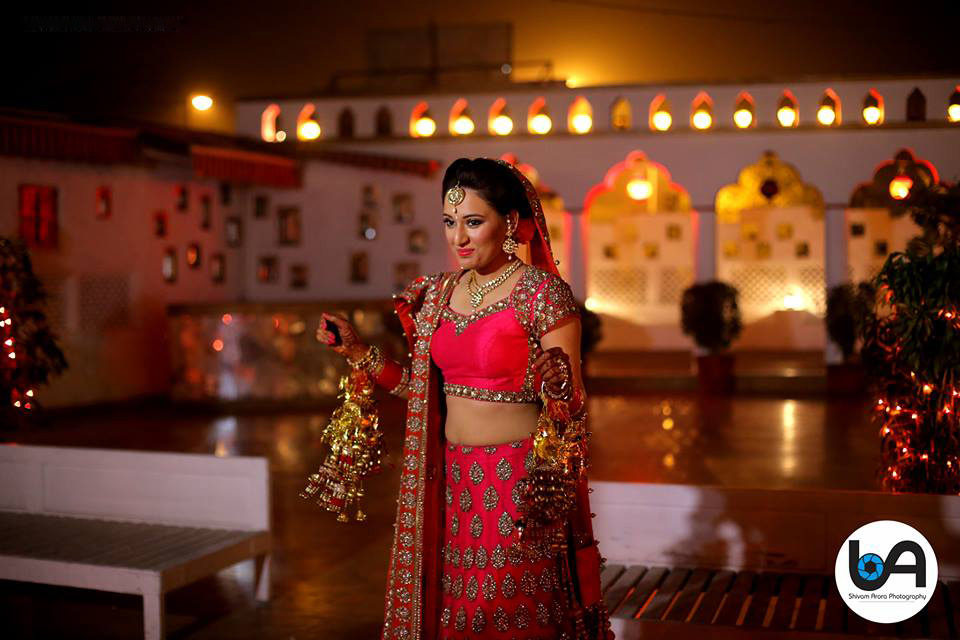 Beautiful bride with magnificent surrounding by Shivam Arora Photography Wedding-photography | Weddings Photos & Ideas