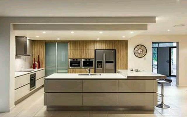 Big modular kitchen by Amaze interiors.chennai Modular-kitchen | Interior Design Photos & Ideas