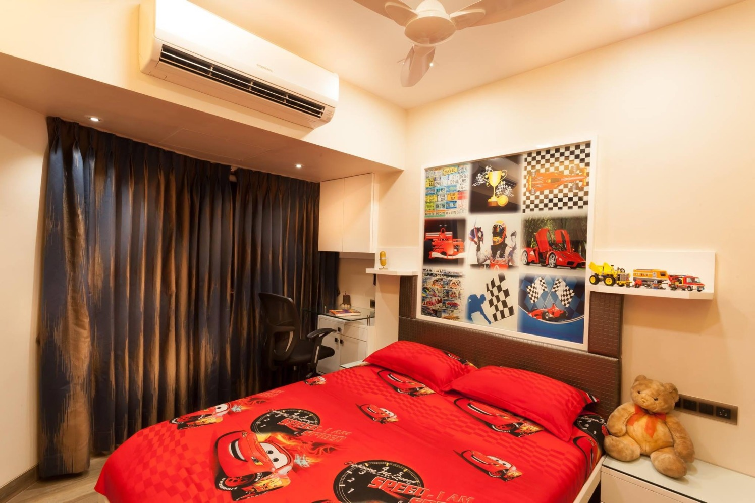 Simple yet trendy kids bedroom decor by Blue Arch Interiors Bedroom | Interior Design Photos & Ideas