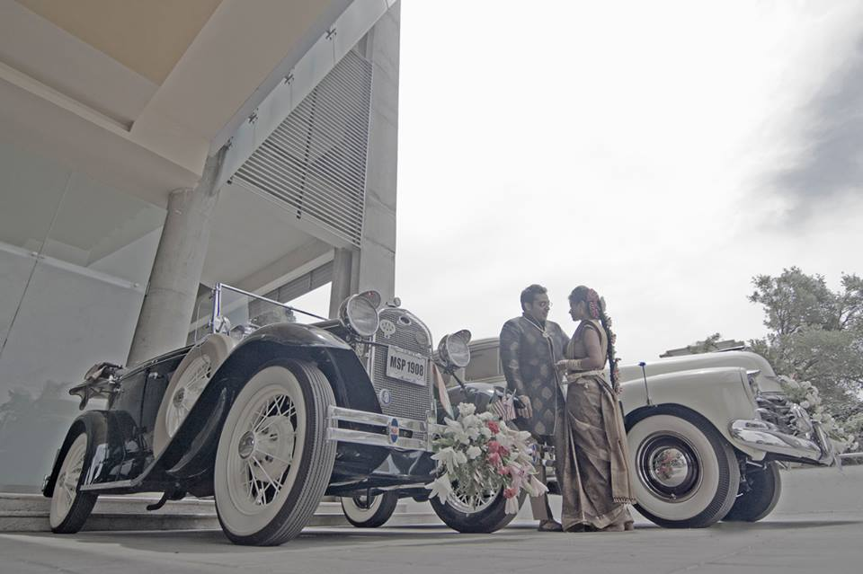 Elegant couple beside a classic car by Pixelpeppermint Wedding-photography | Weddings Photos & Ideas