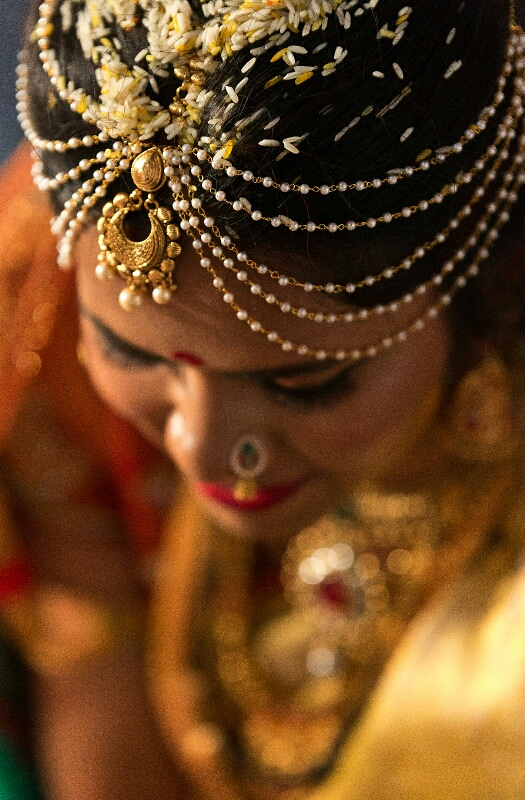 Maang tikka and pearls making the bride shine by Pixelpeppermint Wedding-photography | Weddings Photos & Ideas