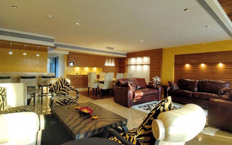 Splendid and lavish living room design by RKS Design Studio Living-room | Interior Design Photos & Ideas