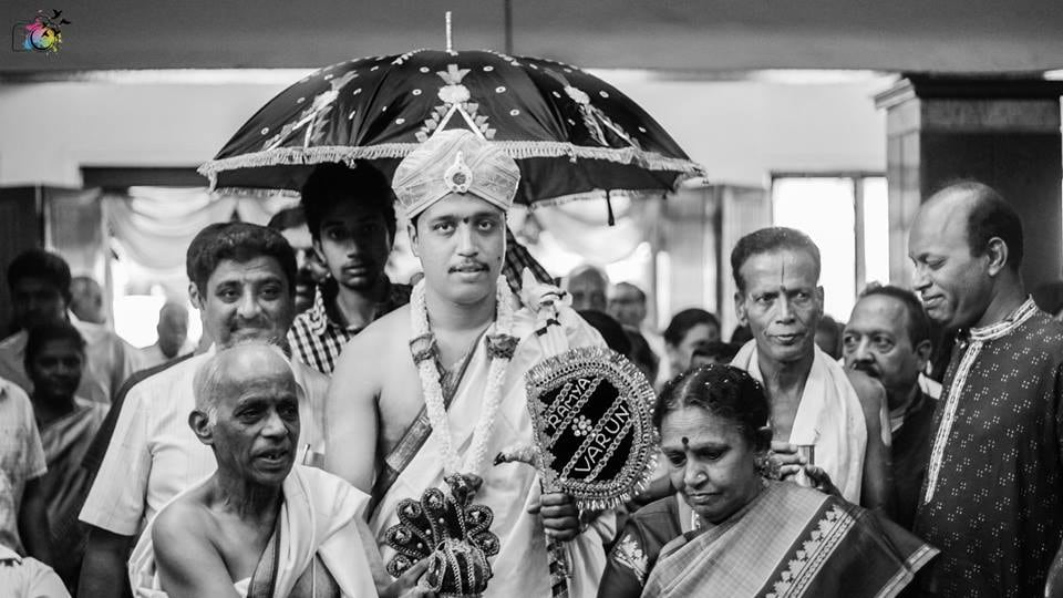 Graceful groom entry by Raghavendra Wedding-photography | Weddings Photos & Ideas