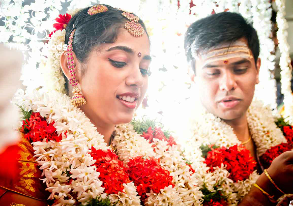 A splendid portrait of the bride and groom by Media Mads Wedding-photography | Weddings Photos & Ideas
