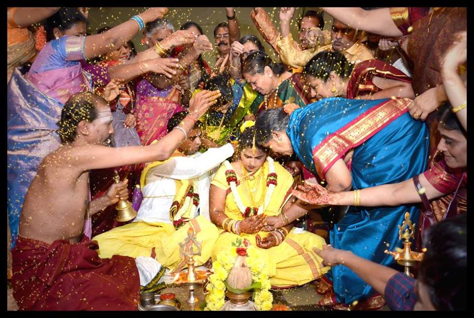 Showering Blessing! by Chitragrahini Photography Wedding-photography | Weddings Photos & Ideas